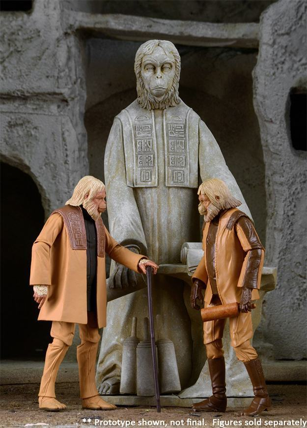 Planet-of-the-Apes-The-Lawgiver-Statue-03