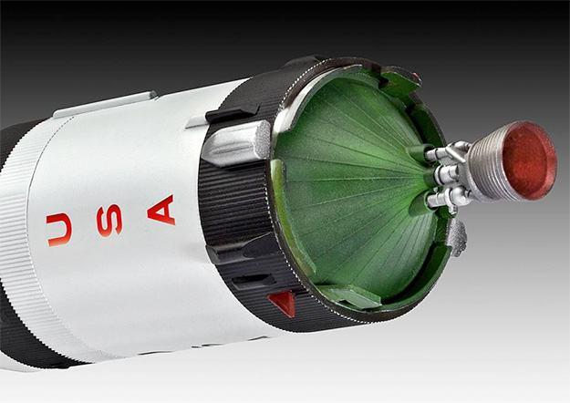 Apollo-Saturn-V-Plastic-Model-Kit-04