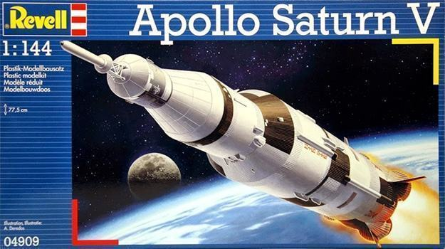 Apollo-Saturn-V-Plastic-Model-Kit-08