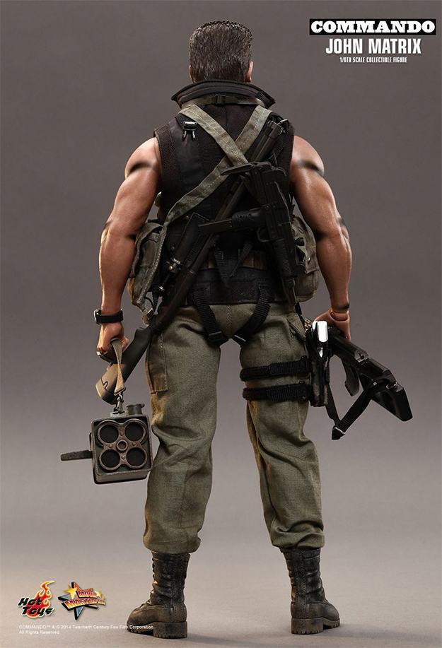 Commando-John-Matrix-Hot-Toys-Action-Figure-10