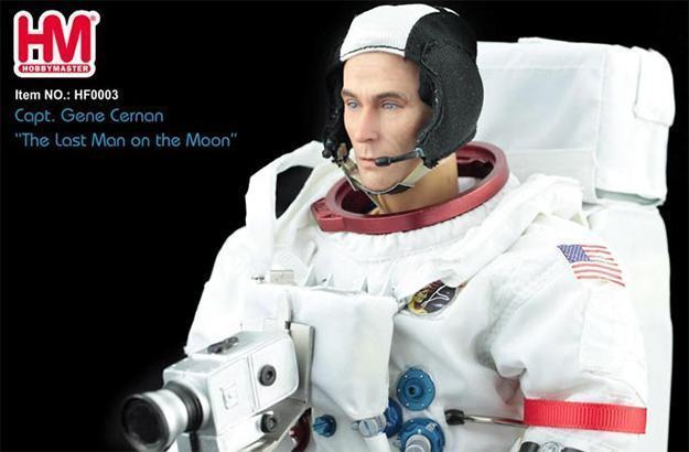 Gene-Cernan-Last-Man-On-the-Moon-Hobby-Master-Action-Figure-03