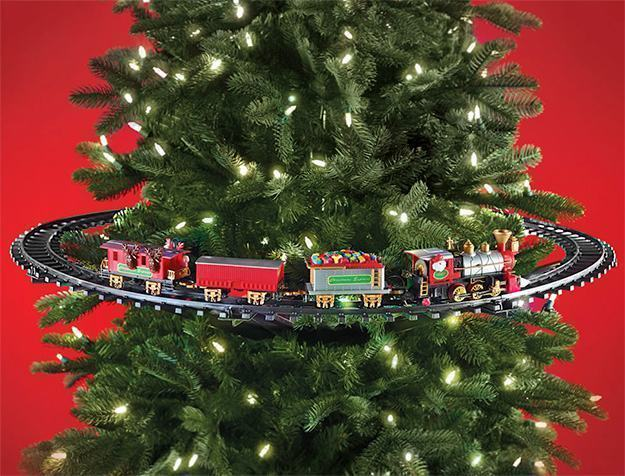 In-Tree-Christmas-Train-01