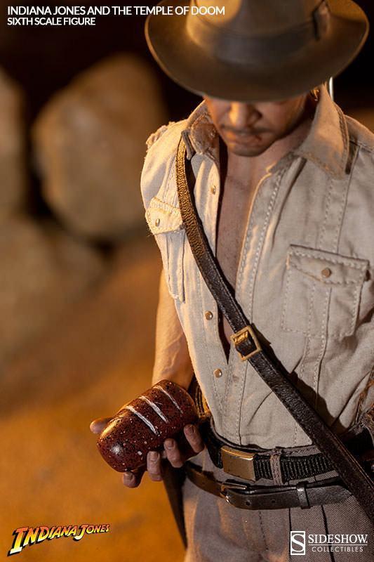 Indiana-Jones-Temple-of-Doom-Sixth-Scale-Figure-08