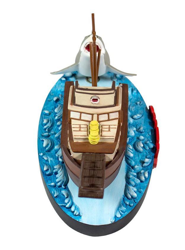 Jaws-Orca-Attack-Bruce-Premium-Motion-Statue-02
