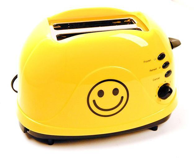 Torradeira-Smiley-Face-Toaster-01