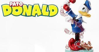 Busto Disney Grand Jester: Pato Donald e os Esquilos Tico e Teco