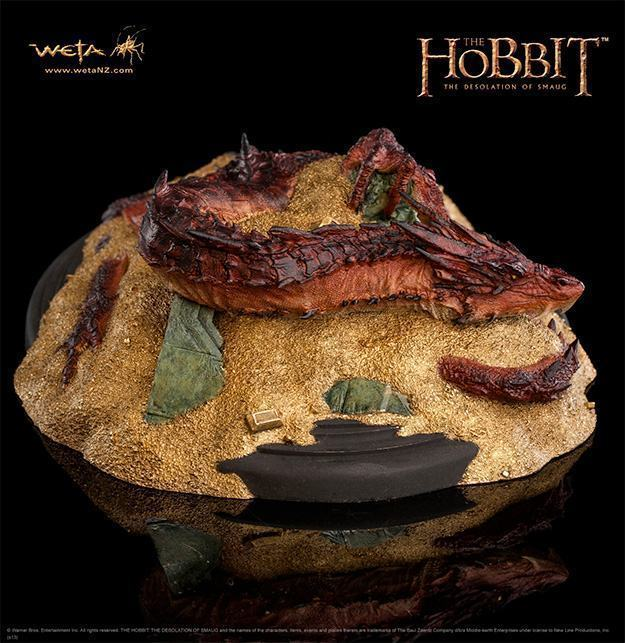 Hobbit-Smaug-King-Under-the-Mountain-Statue-03