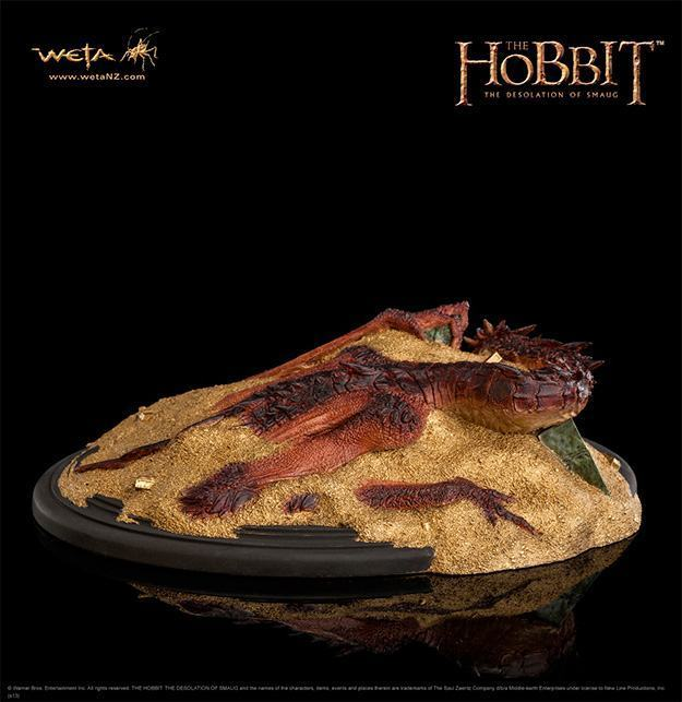 Hobbit-Smaug-King-Under-the-Mountain-Statue-05