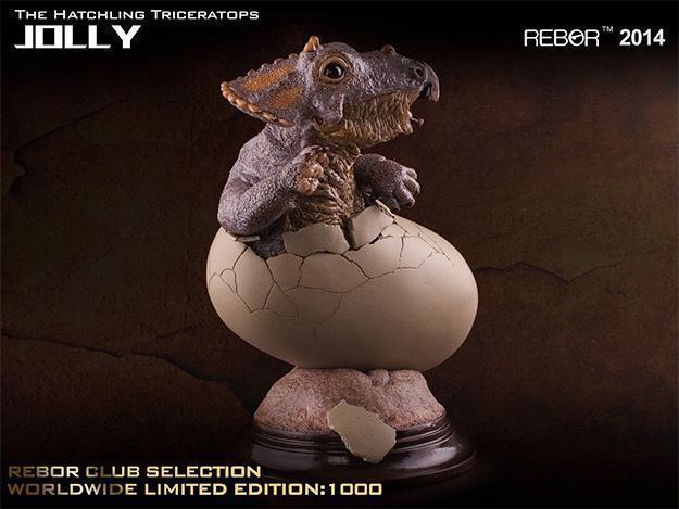 Jolly-The-Hatchling-Triceratops-Statue-02
