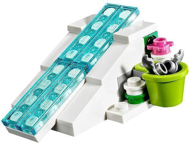 LEGO-Frozen-Elsa-Sparkling-Ice-Castle-06