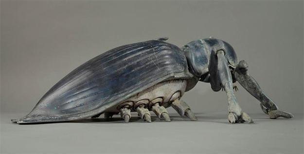 Starship-Troopers-Tanker-Bug-Statue-Tropas-Estrelares-03a