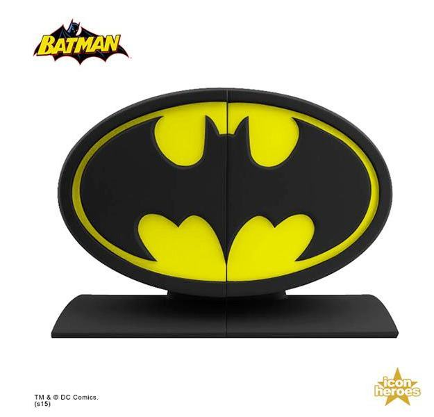 Batman-Logo-Bookends-02