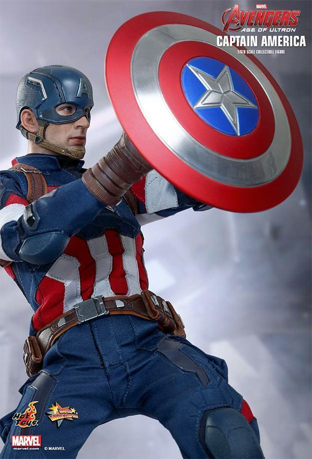 Captain-America-Age-of-Ultron-Hot-Toys-Action-Figure-06