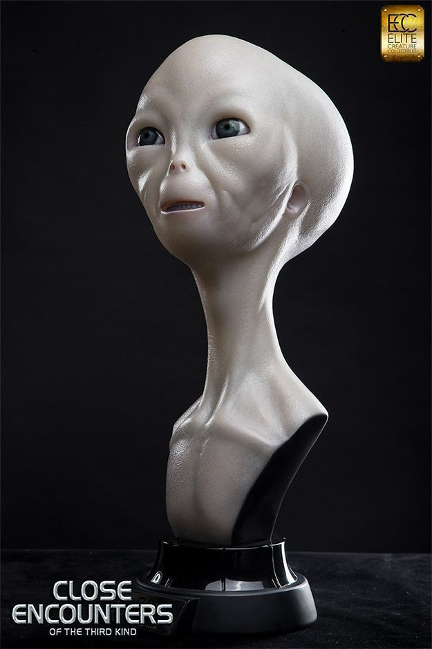 Close-Encounters-of-the-Third-Kind-Alien-Bust-Life-Size-03