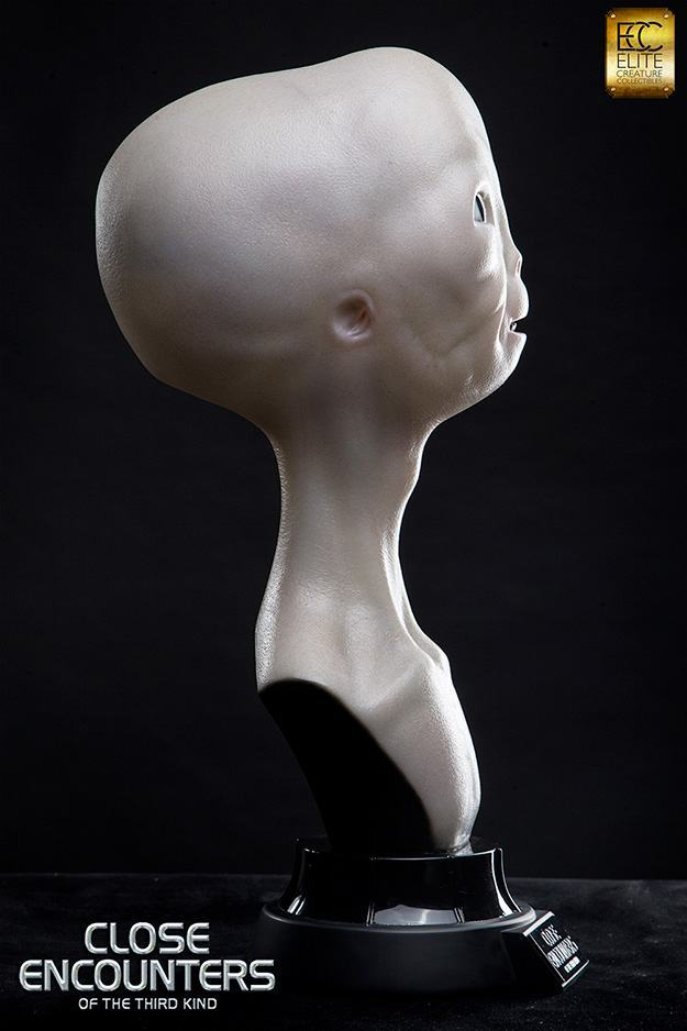 Close-Encounters-of-the-Third-Kind-Alien-Bust-Life-Size-05