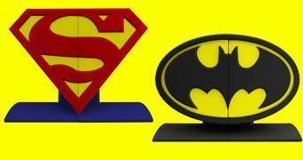 Superman Logo Bookends e Batman Logo Bookends!
