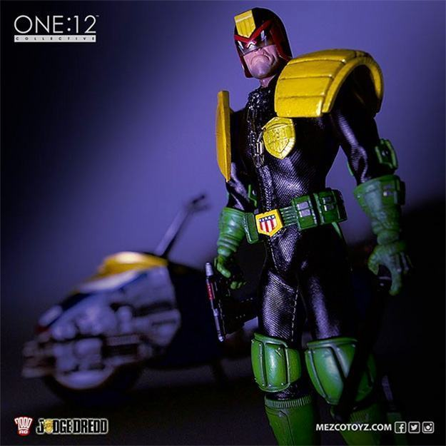 Action-Figure-One-12-Collective-Judge-Dredd-02