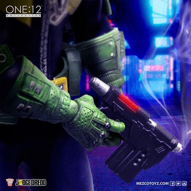 Action-Figure-One-12-Collective-Judge-Dredd-05