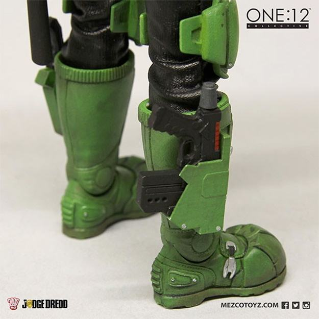 Action-Figure-One-12-Collective-Judge-Dredd-08