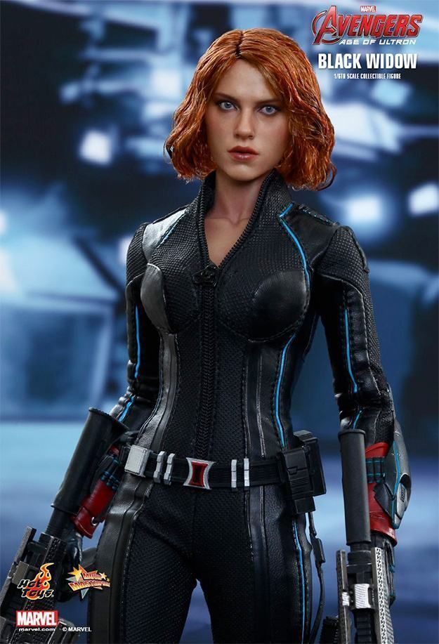 Black-Widow-Action-Figure-Avengers-Age-of-Ultron-Hot-Toys-03