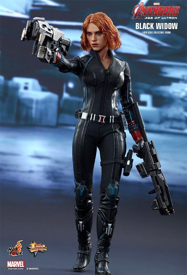Black-Widow-Action-Figure-Avengers-Age-of-Ultron-Hot-Toys-07