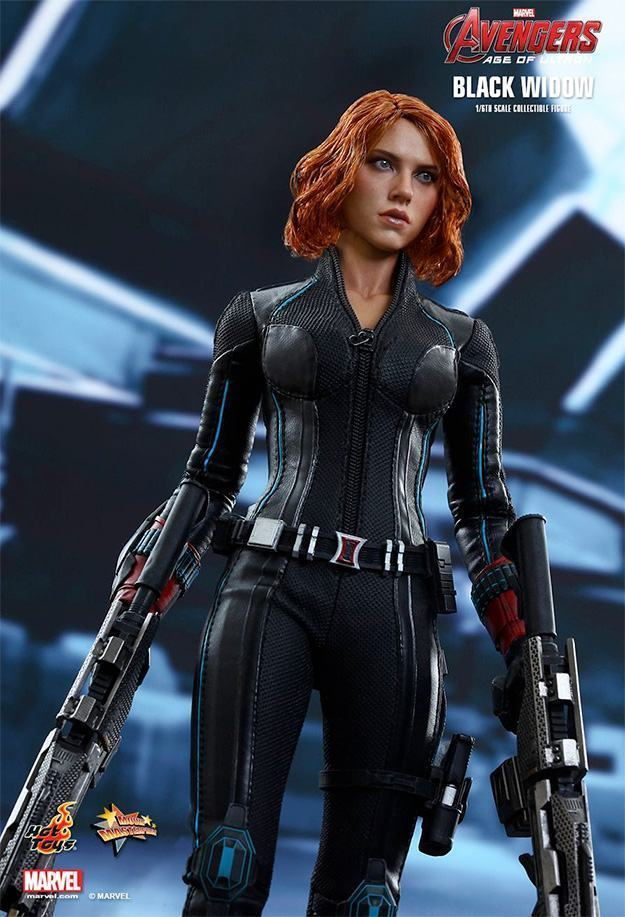Black-Widow-Action-Figure-Avengers-Age-of-Ultron-Hot-Toys-10