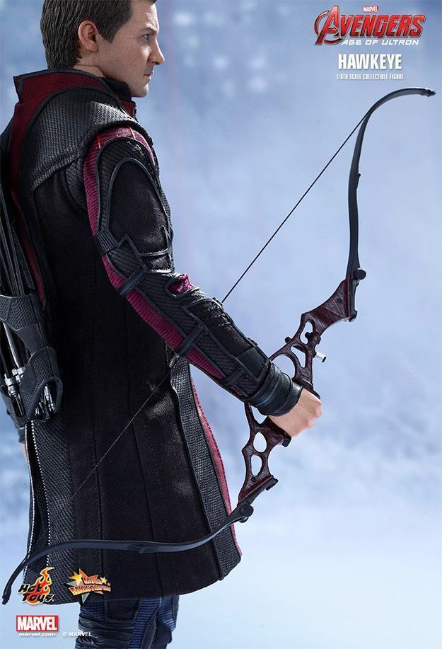 Hawkeye-Ageo-of-Ultron-Hot-Toys-Action-Figure-11