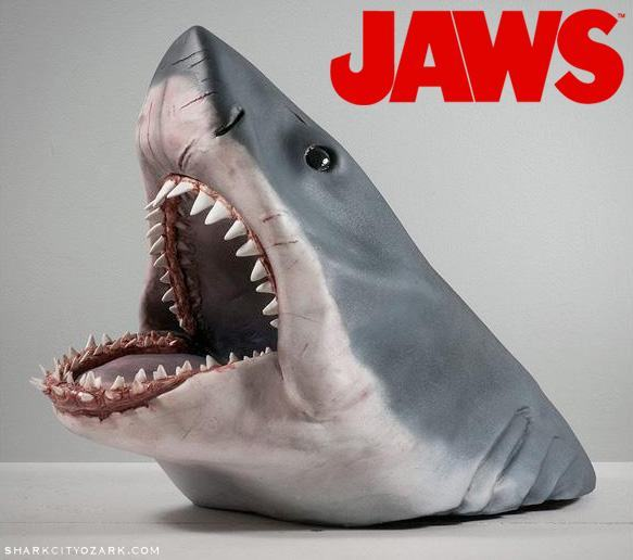 Tubarao-Battle-Bruce-Jaws-Bust-01