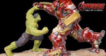 Estátuas Hulkbuster ArtFX+ e Hulk ArtFX+ em Vingadores 2: Era de Ultron