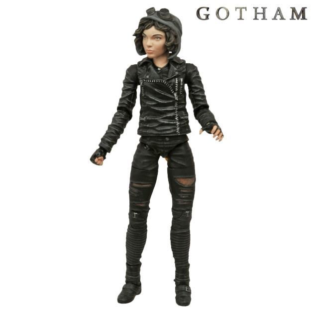 Gotham-Select-TV-Series-1-Action-Figures-04