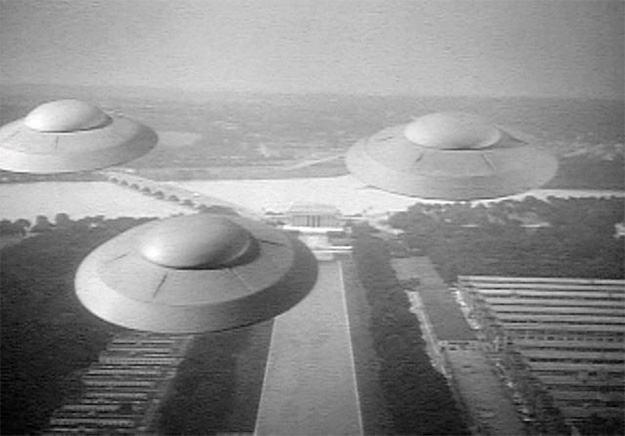 Invasao-dos-Discos-Voadores-04