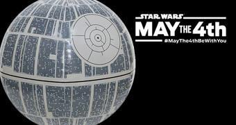 Bola de Praia Death Star no Star Wars Day (May the 4th be with You!)