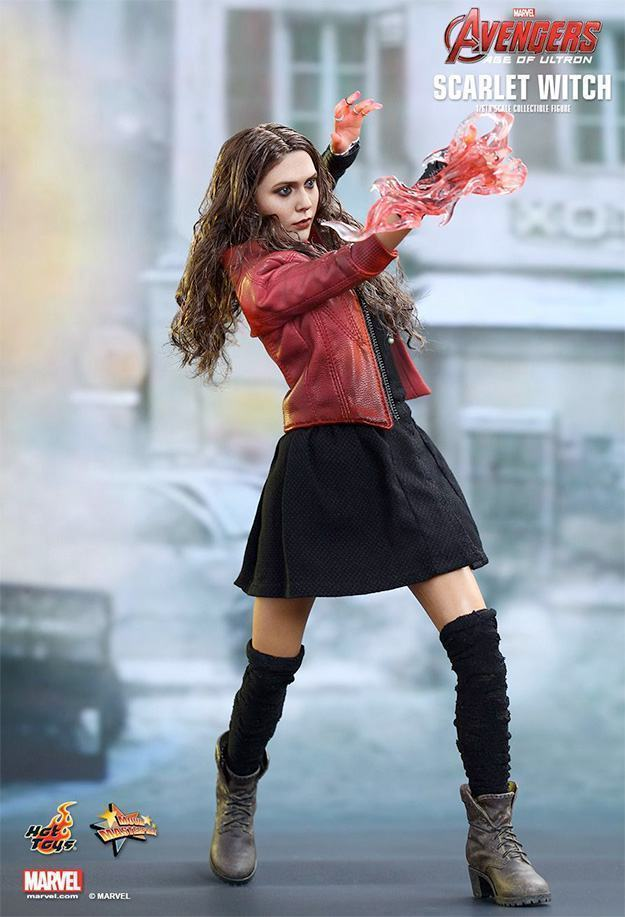 Action-Figure-Hot-Toys-Scarlet-Witch-Avengers-02