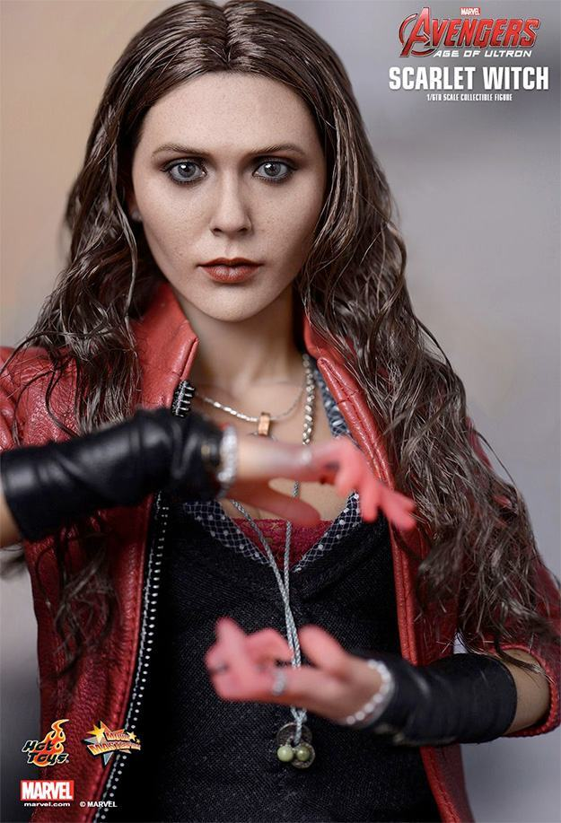 Action-Figure-Hot-Toys-Scarlet-Witch-Avengers-03
