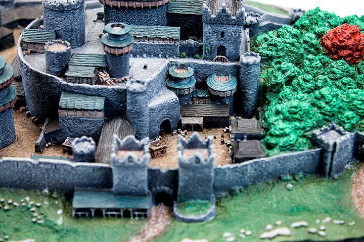 Maquete-Game-of-Thrones-Winterfell-Desktop-Statue-06