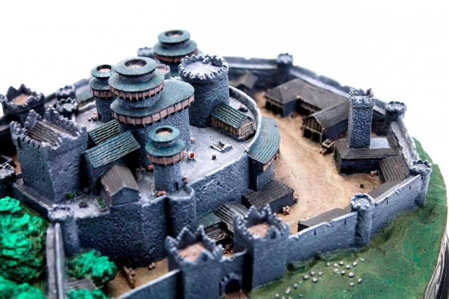Maquete-Game-of-Thrones-Winterfell-Desktop-Statue-08