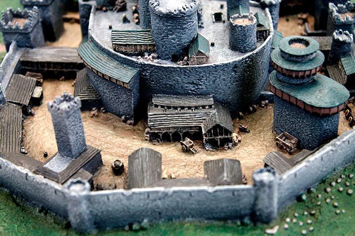 Maquete-Game-of-Thrones-Winterfell-Desktop-Statue-09