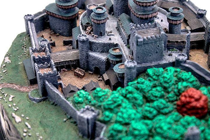 Maquete-Game-of-Thrones-Winterfell-Desktop-Statue-10