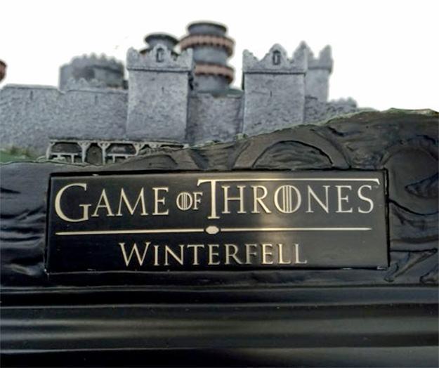 Maquete-Game-of-Thrones-Winterfell-Desktop-Statue-13