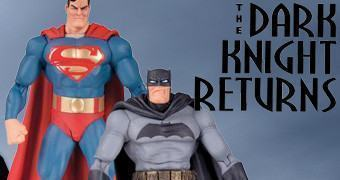 Set Duplo de Action Figures 30 Anos da Graphic Novel Batman: The Dark Knight Returns com Batman e Superman