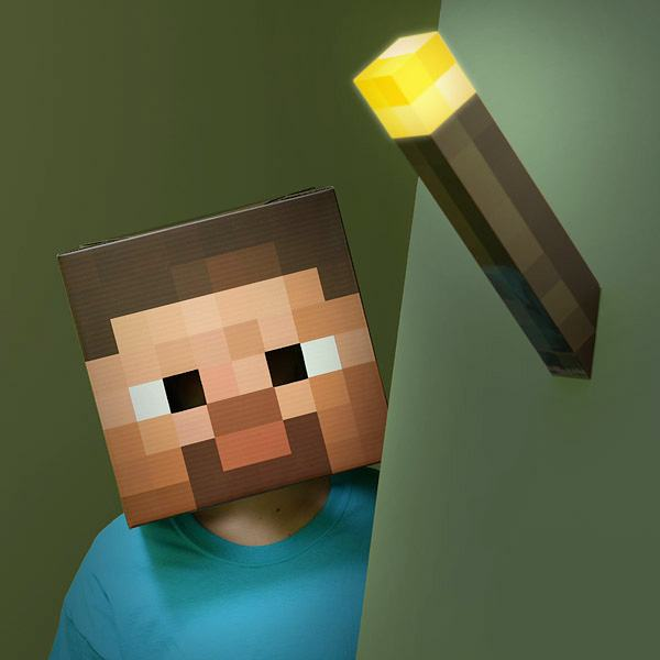 Luminaria-Minecraft-8-bit-Light-Up-Torch-02