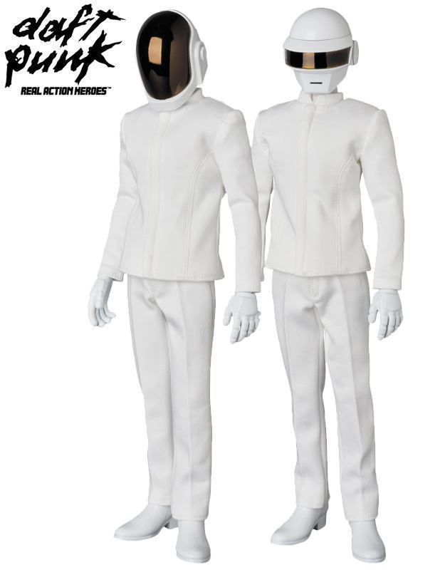 Action-Figures-Daft-Punk-RAH-White-Suits-06
