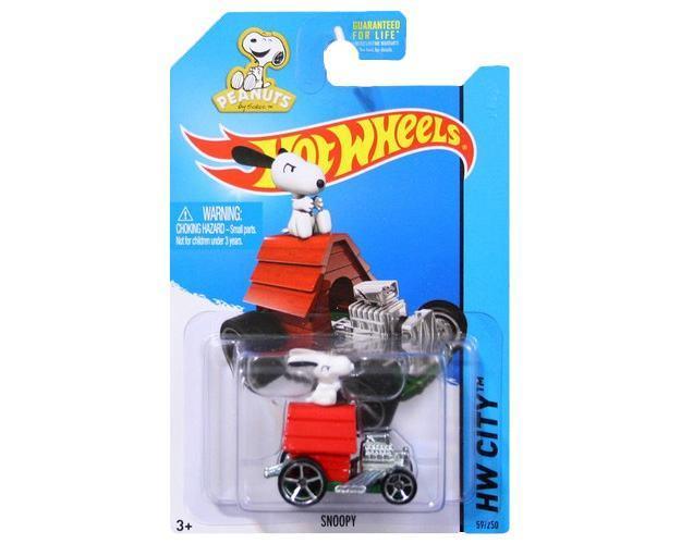 Carrinho-Hot-Wheels-2015-Peanuts-Snoopy-03