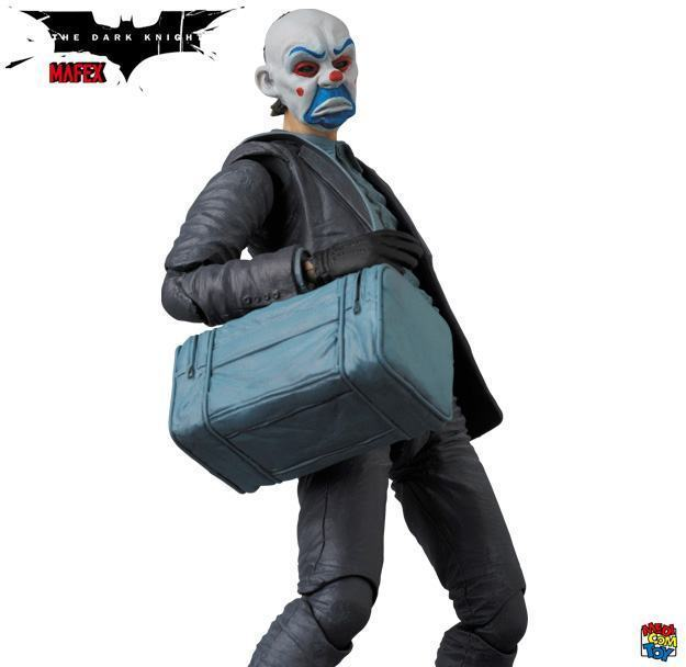 Action-Figure-Joker-Bank-Robber-MAFEX-06