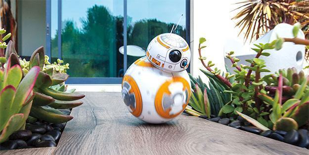 BB-8-App-Enabled-Droid-Sphero-Star-Wars-02