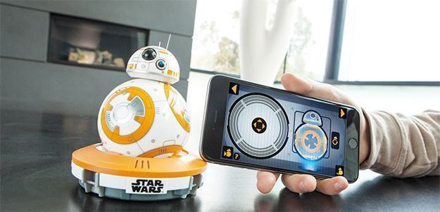 BB-8-App-Enabled-Droid-Sphero-Star-Wars-05