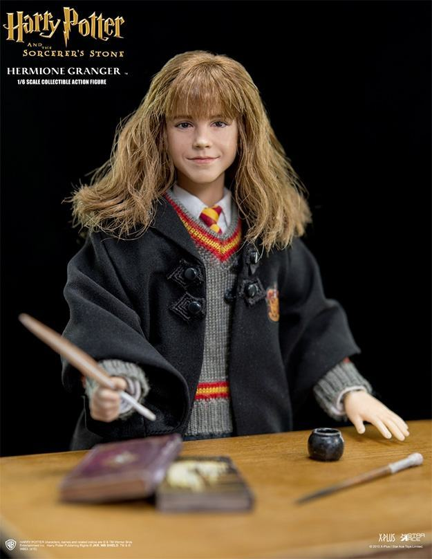 Harry-Potter-Action-Figure-StarAce-Hermione-Granger-02