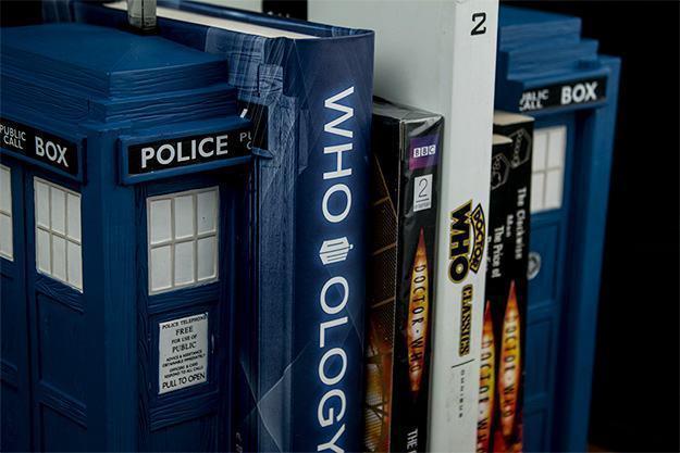 Apoio-de-Livros-TARDIS-Bookends-Doctor-Who-05