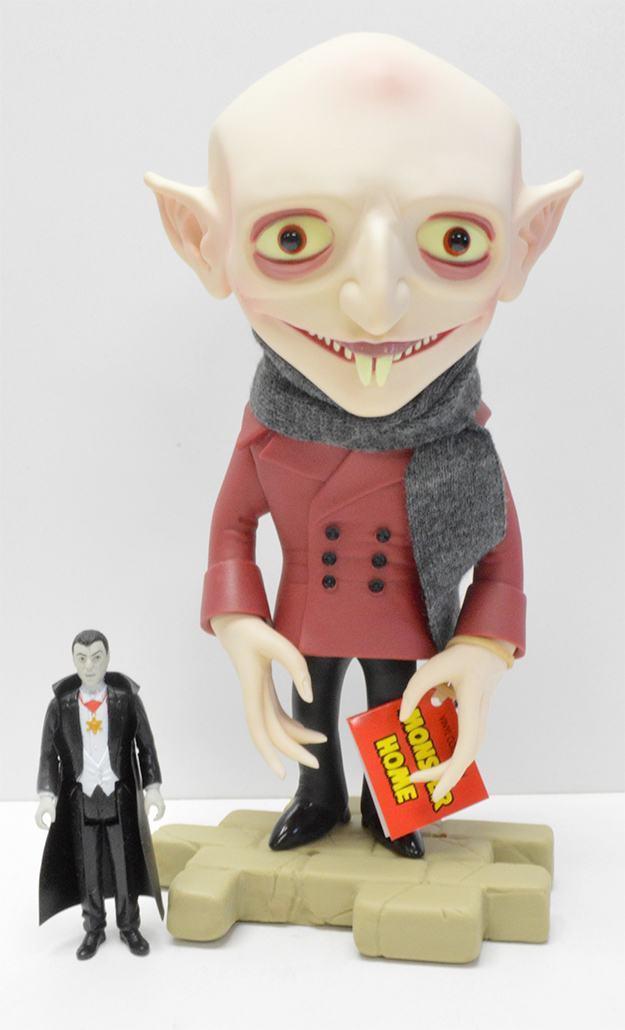 Boneco-Nosferatu-Monster-Home-Amigo-Toyz-Vinyl-Figure-06