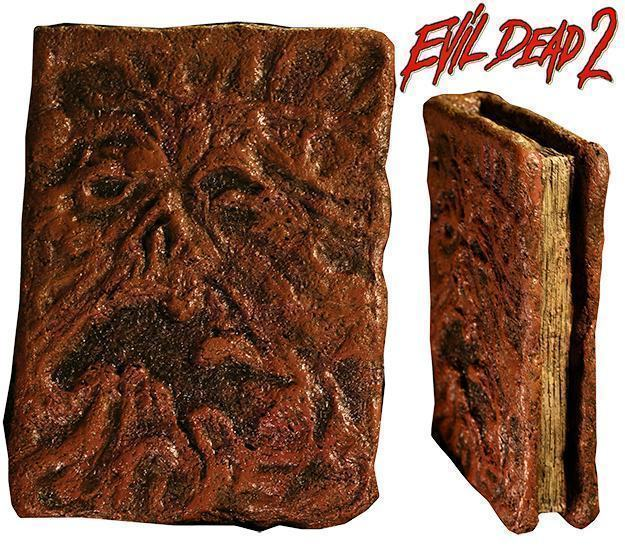 Evil-Dead-2-Book-of-the-Dead-Necronomicon-Prop-01
